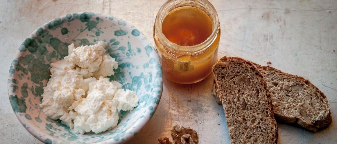 pane-noci-e-miele-di-castagne-4-1160x653
