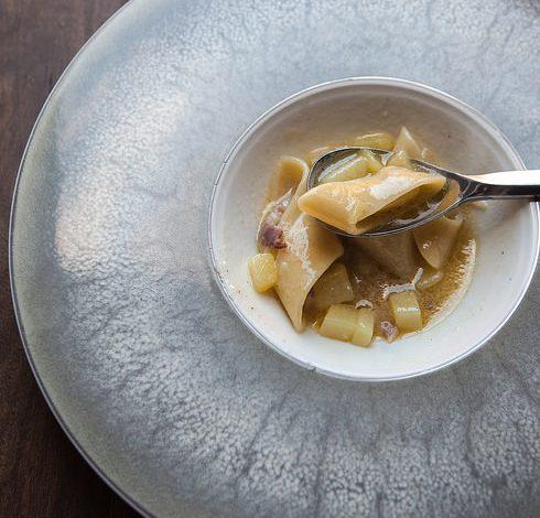 pasta e patate di Peppe Guida all'olio di Trevi