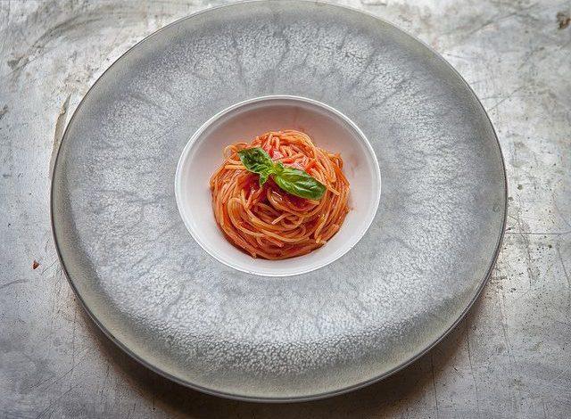 spaghetti al pomodoro di Peppe Guida