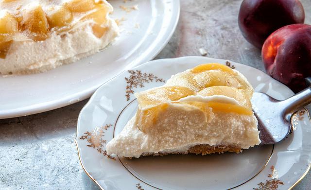 Cheesecake ricotta ricetta della Cheesecake senza cottura e noci pesche di Corbara